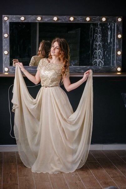 4380be4b9254a5b Вечернее платье Chi Chi Длинное платье золотого цвета со шлейфом - фото 1  ...