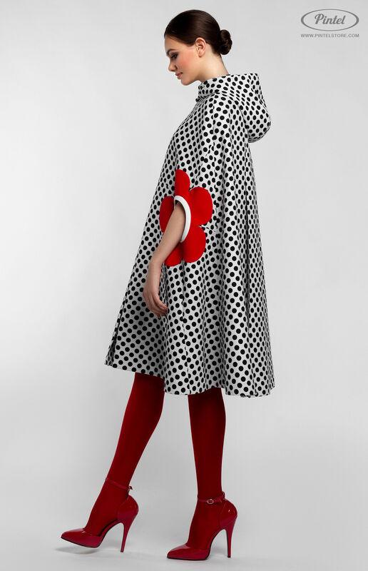 Верхняя одежда женская Pintel™ Романтичный кейп А-силуэта в горох LIÉVINTA - фото 4