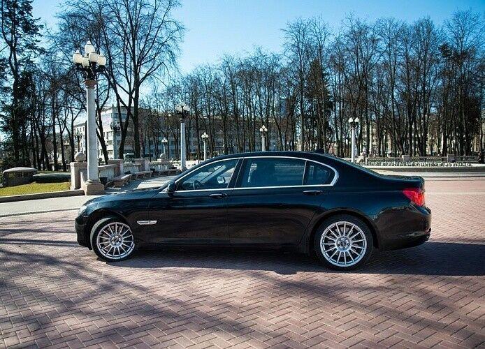 Прокат авто BMW F02 7 series черного цвета - фото 4