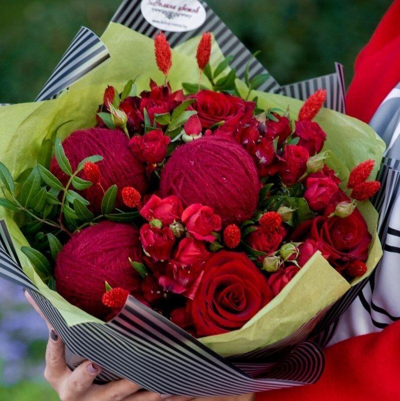 """Магазин цветов Долина цветов Букет  """"Бордовые клубочки"""" - фото 1"""