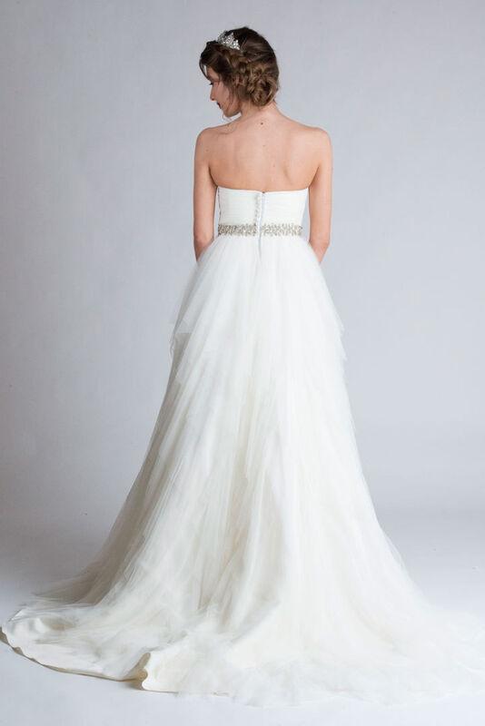 Свадебное платье напрокат Belfaso Свадебное платье с расшитым поясом - фото 2