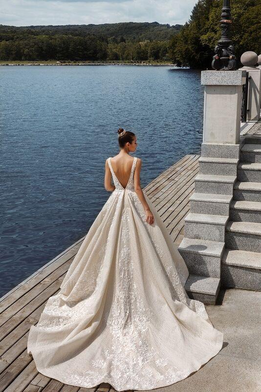 Свадебное платье напрокат Crystal Taffi - фото 2