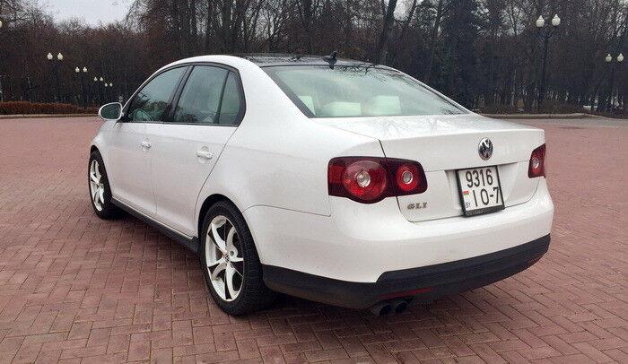 Аренда авто Volkswagen Jetta White - фото 3