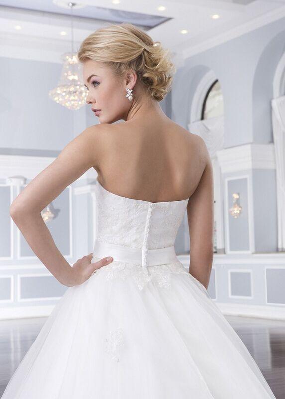 Свадебное платье напрокат Lillian West Платье свадебное «Ainsley» - фото 3