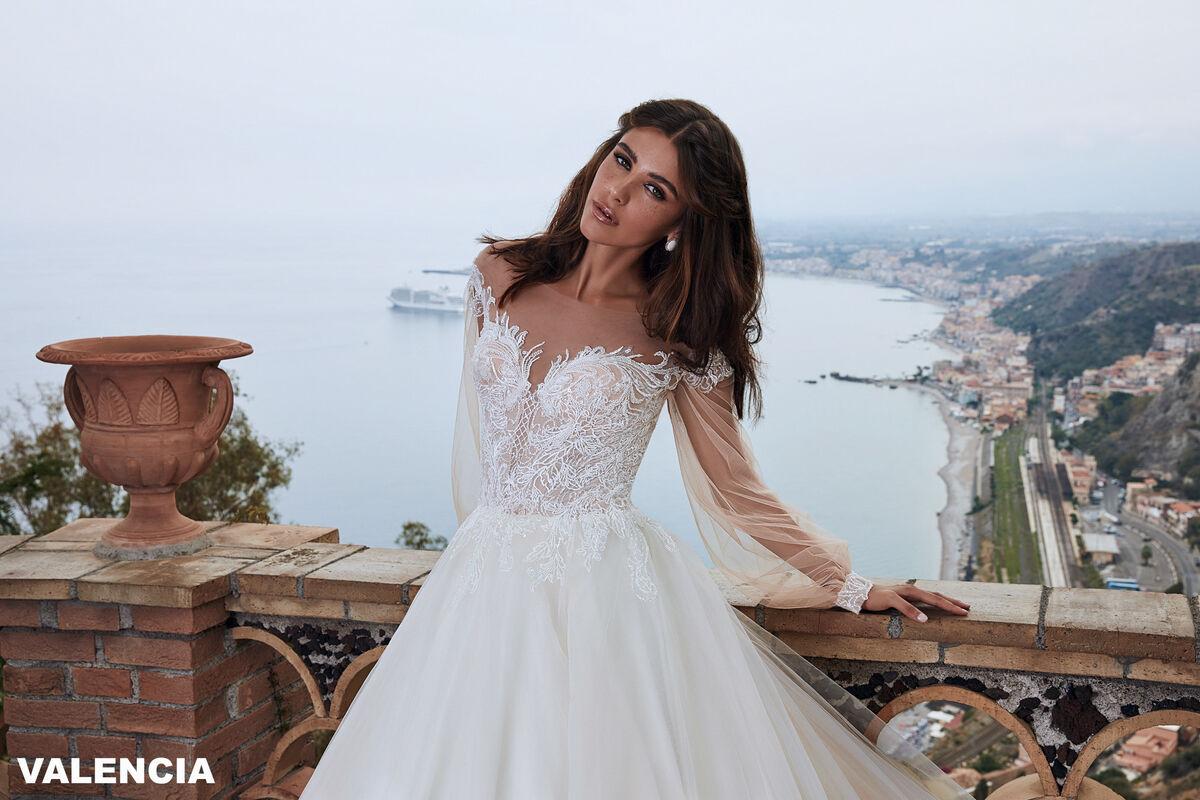 Свадебный салон Bonjour Galerie Свадебное платье VALENCIA из коллекции BELLA SICILIA - фото 3