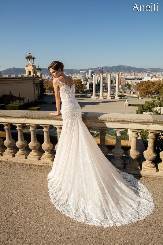 Свадебный салон Bonjour Galerie Свадебное платье «Aneitti» из коллекции LA POESIE - фото 3