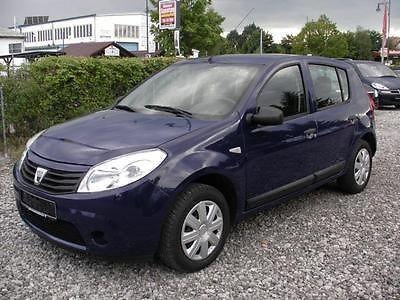 Аренда авто Dacia Sandero 2012 г.в. - фото 1