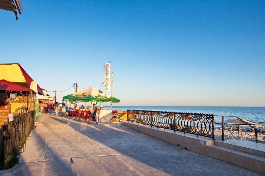 Туристическое агентство Боншанс Пляжный автобусный тур в Украину, Железный Порт, пансионат «Адмирал» - фото 2