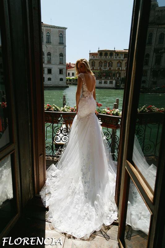 Свадебный салон Bonjour Galerie Свадебное платье Florencia из коллекции La Douceur - фото 2