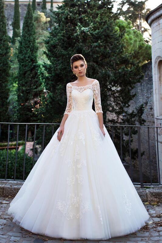 Свадебное платье напрокат Bonjour Платье свадебное «Adelfa» из коллекции LA SENSUALITE 2017 - фото 1
