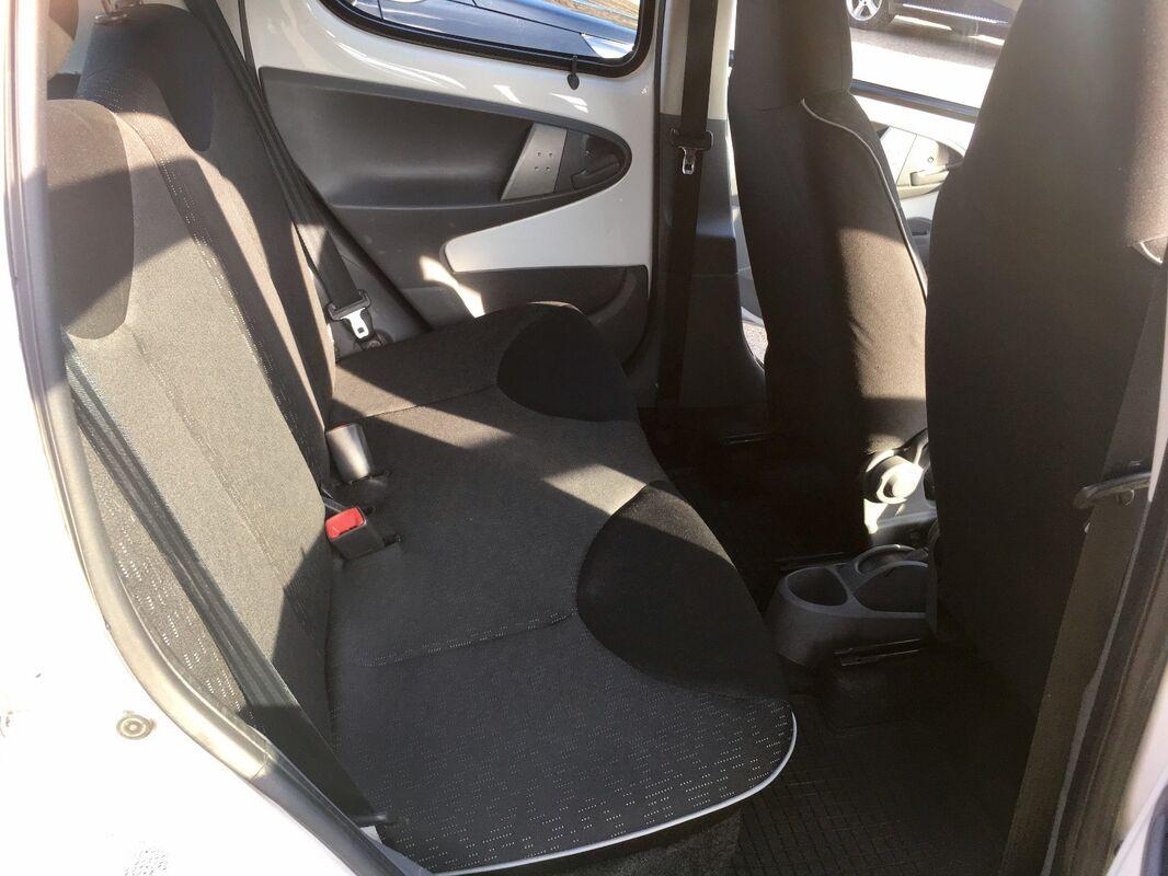 Аренда авто Peugeot 107 белый - фото 6