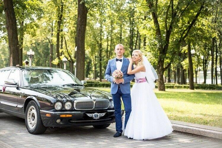 Прокат авто Jaguar XJ8 черного цвета - фото 3