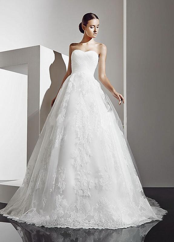 Свадебное платье напрокат Destiny Collection Платье свадебное 1190 - фото 1
