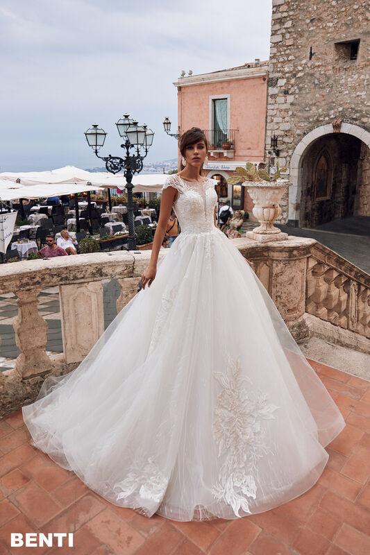 Свадебный салон Bonjour Galerie Свадебное платье BENTI из коллекции BELLA SICILIA - фото 4