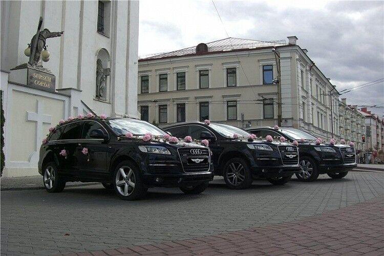 Прокат авто Audi Q7 черного цвета - фото 6