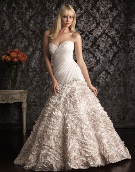 Свадебное платье напрокат Allure Bridals Платье свадебное 9015 - фото 1