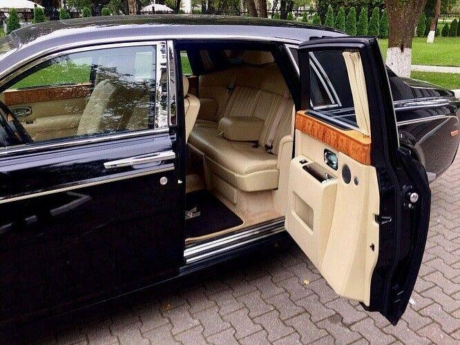 Прокат авто Rolls-Royce Phantom черного цвета - фото 9