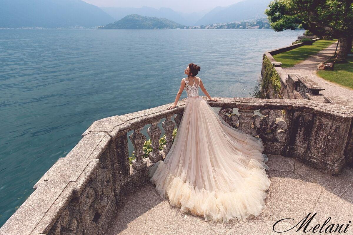 Свадебный салон Bonjour Galerie Свадебное платье Melani из коллекции Royal Luxury - фото 3