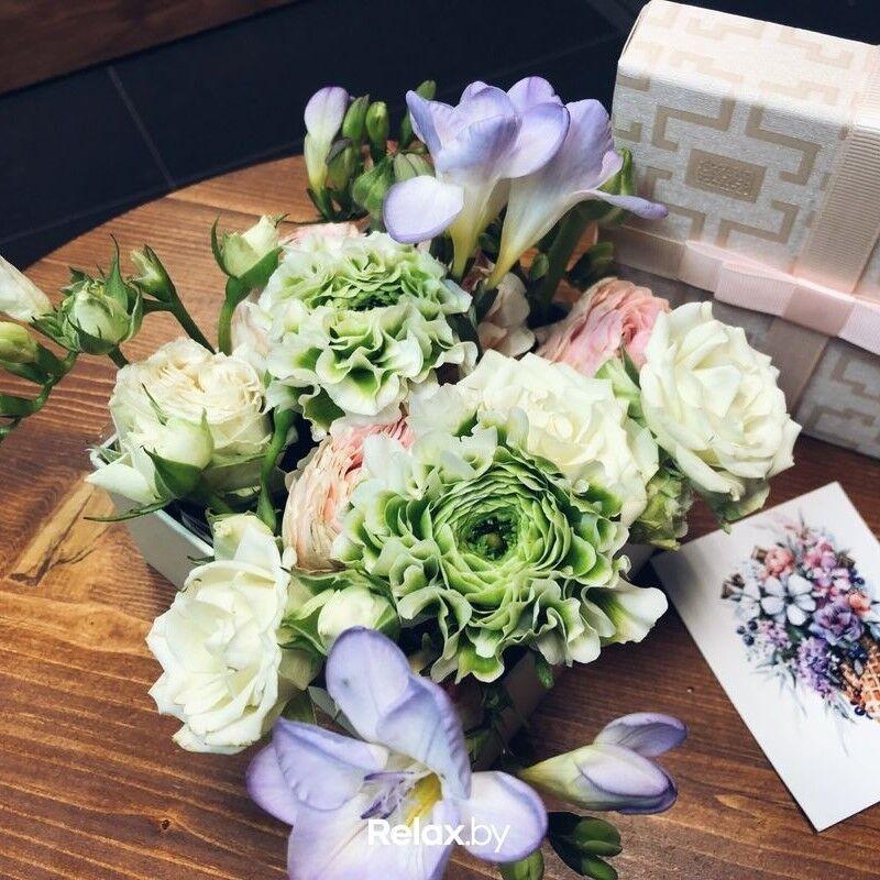 Магазин цветов Кошык кветак Букет - композиция в коробке №4 - фото 1