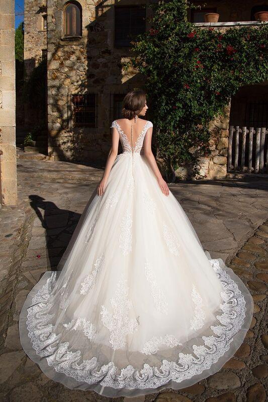 Свадебный салон Bonjour Свадебное платье «Niks» из коллекции LA SENSUALITE 2017 - фото 2