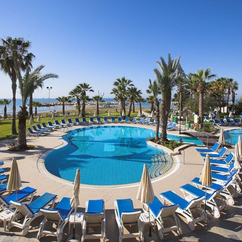 Туристическое агентство Вокруг Света Пляжный тур на Кипр, Ларнака, Golden Bay Beach Hotel 5* - фото 1