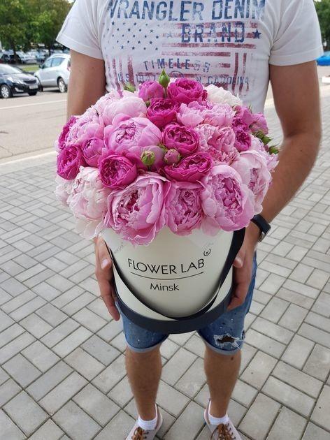 Магазин цветов Cvetok.by Букет в коробке «Сладкий пион» - фото 1