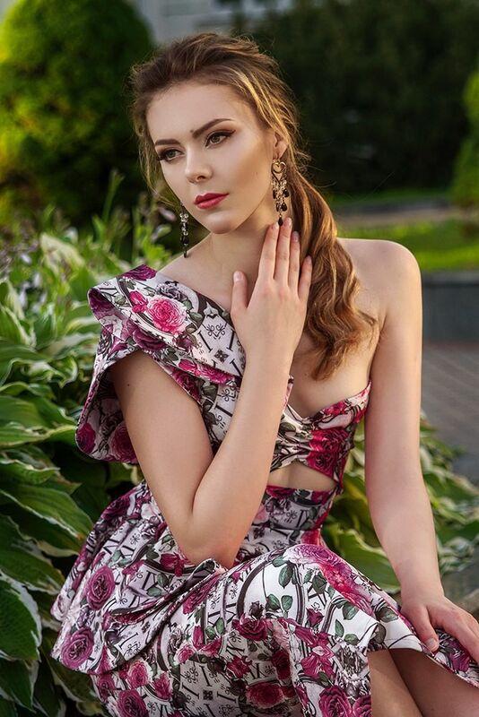 Вечернее платье Shkafpodrugi Яркий костюм из цветочной юбки и топа - фото 1