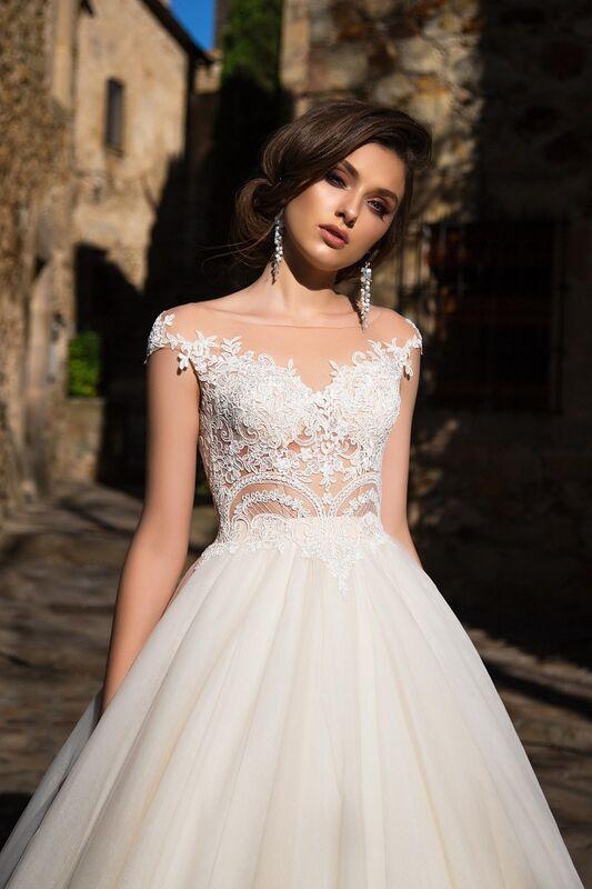 Свадебный салон Bonjour Свадебное платье «Niks» из коллекции LA SENSUALITE 2017 - фото 4