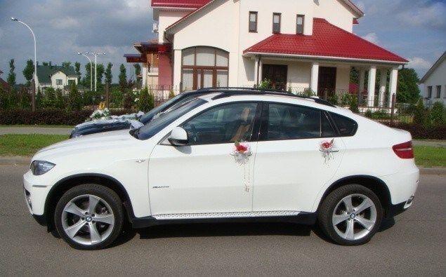 Прокат авто BMW X6 белого цвета - фото 4