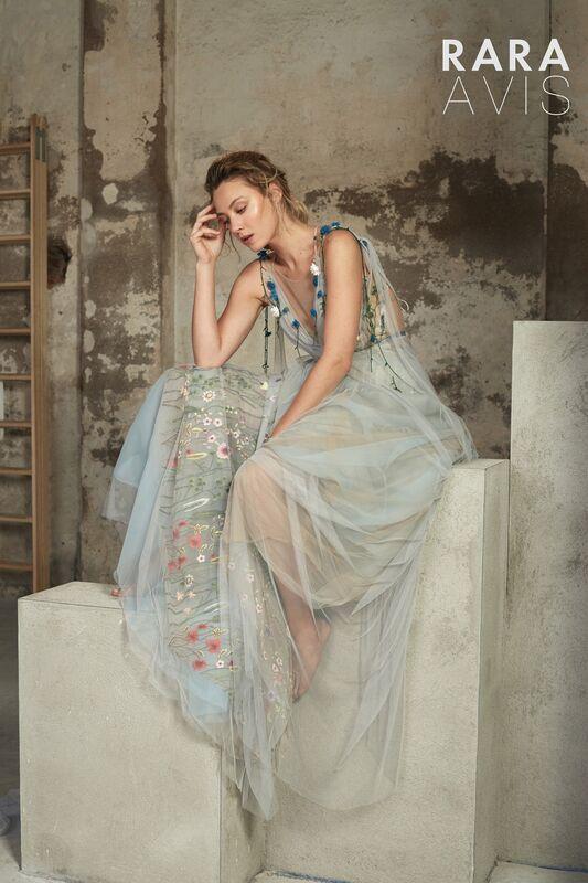 Свадебный салон Rara Avis Свадебное платье Floral Paradise Lofgren - фото 3