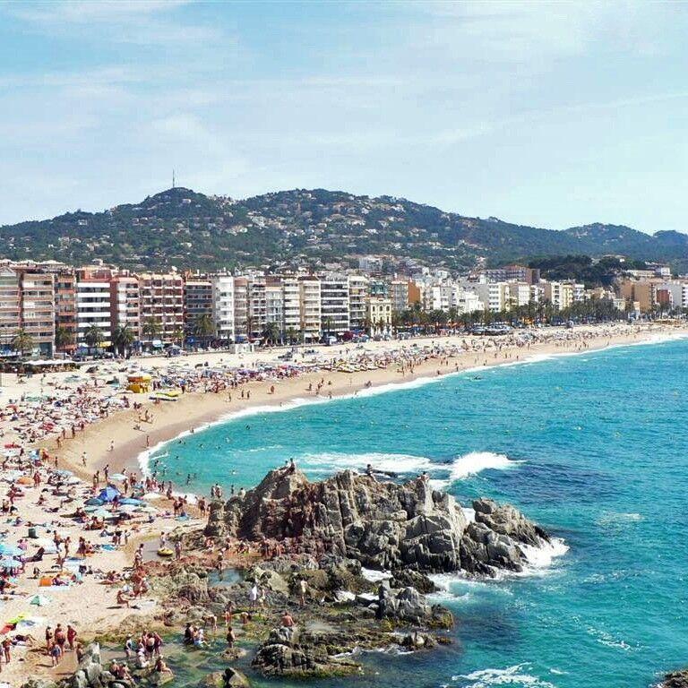 Туристическое агентство Череда Путешествий Автобусный экскурсионный тур в Испанию с отдыхом на море в Льорет-де-Мар - фото 1