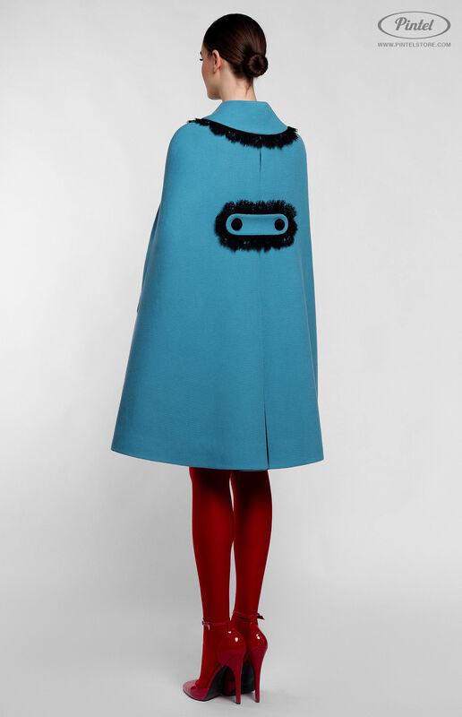 Верхняя одежда женская Pintel™ Кейп из голубой натуральной шерсти Mellaáni - фото 3