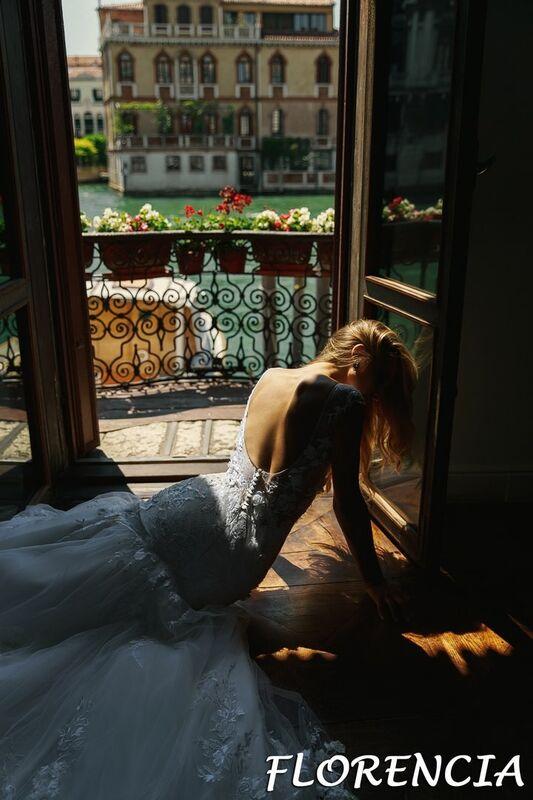Свадебный салон Bonjour Galerie Свадебное платье Florencia из коллекции La Douceur - фото 8