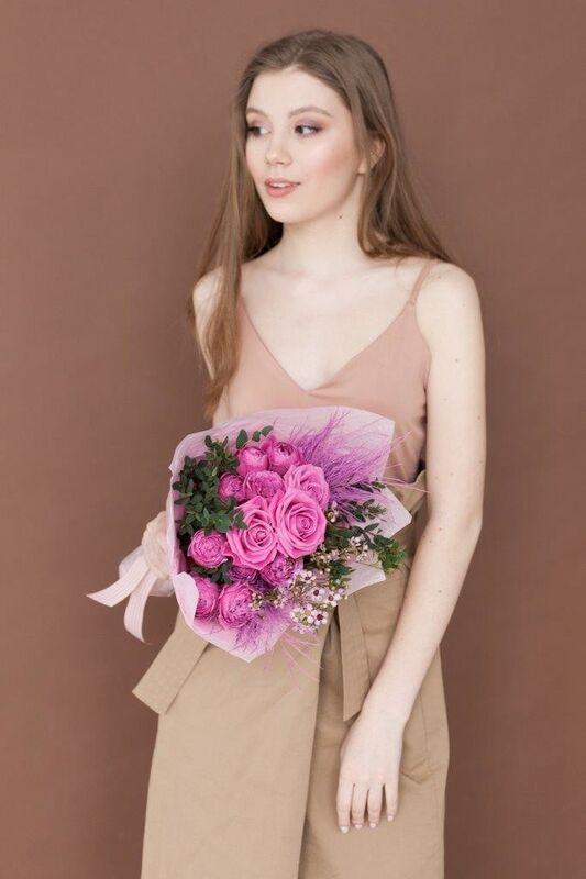 Магазин цветов ЦВЕТЫ и ШИПЫ. Розовая лавка Букет средний розовый (диаметр 25-30 см) - фото 1