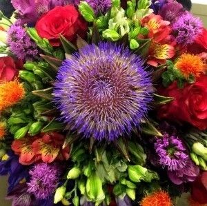 Магазин цветов Прекрасная садовница Букет с артишоком и картамусом - фото 1