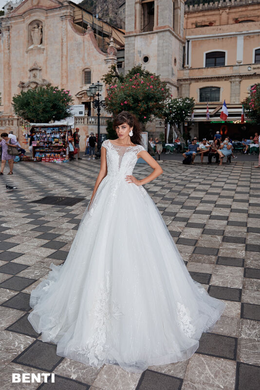 Свадебный салон Bonjour Galerie Свадебное платье BENTI из коллекции BELLA SICILIA - фото 6