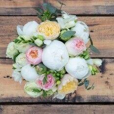 Магазин цветов Ветка сакуры Свадебный букет № 100 - фото 1