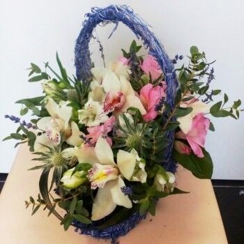 Магазин цветов Ветка сакуры Композиция из цветов № 45 - фото 1