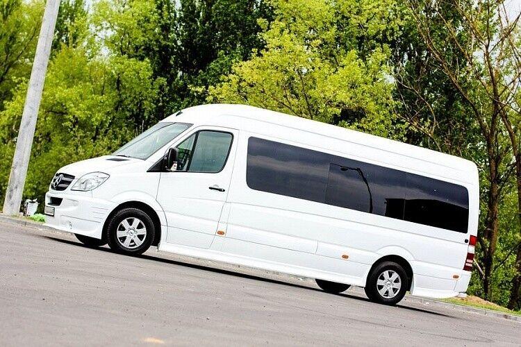 Аренда авто Mercedes-Benz Sprinter белого цвета - фото 1