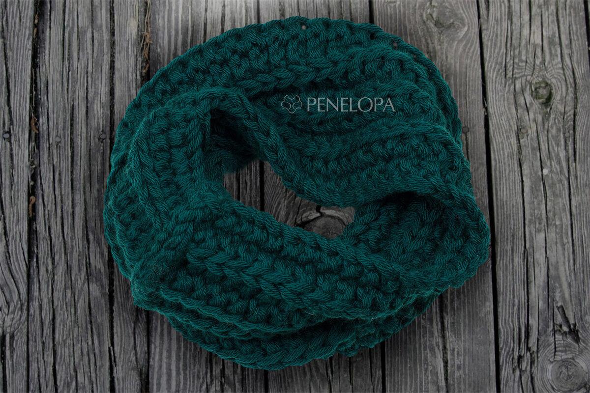 Шарф и платок PENELOPA Вязаный снуд темно-зеленого цвета с изумрудным оттенком M59 - фото 3