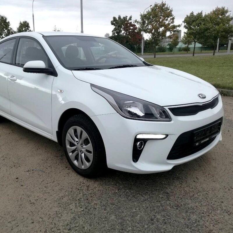 Прокат авто KIA Rio белый 2018 автомат - фото 2