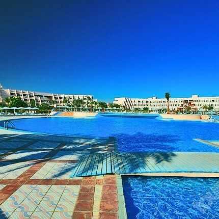 Туристическое агентство Айкью групп Пляжный авиатур в Египет, Хургада, Sonesta Pharaoh Beach Resort 5*, 10 ночей - фото 2