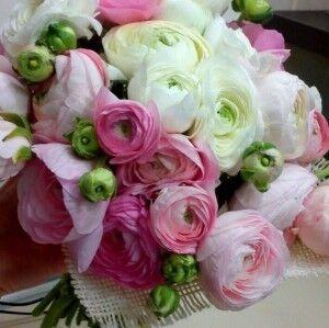 Магазин цветов Прекрасная садовница Букет с ранункулюсами - фото 1