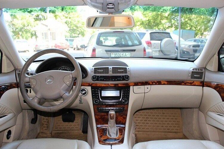 Аренда авто Mercedes-Benz W211 - фото 7