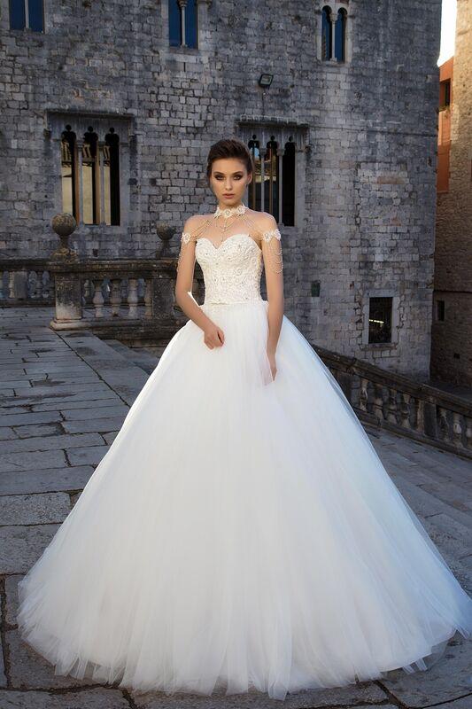 Свадебное платье напрокат Bonjour Платье свадебное «Dolores» из коллекции LA SENSUALITE 2017 - фото 1