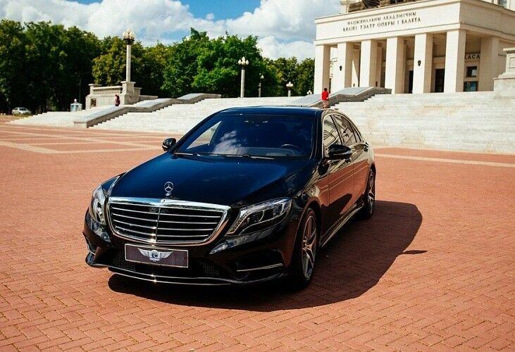 Прокат авто Mercedes-Benz W222 S-class черного цвета - фото 1
