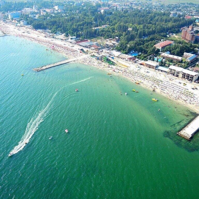 Туристическое агентство Боншанс Пляжный автобусный тур в Украину, Железный Порт, пансионат «Адмирал» - фото 1