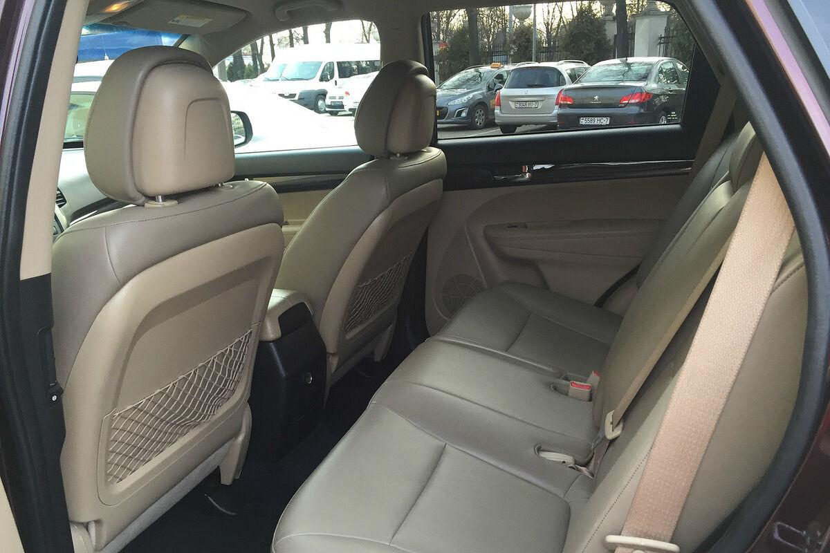 Прокат авто KIA Sorento - фото 4