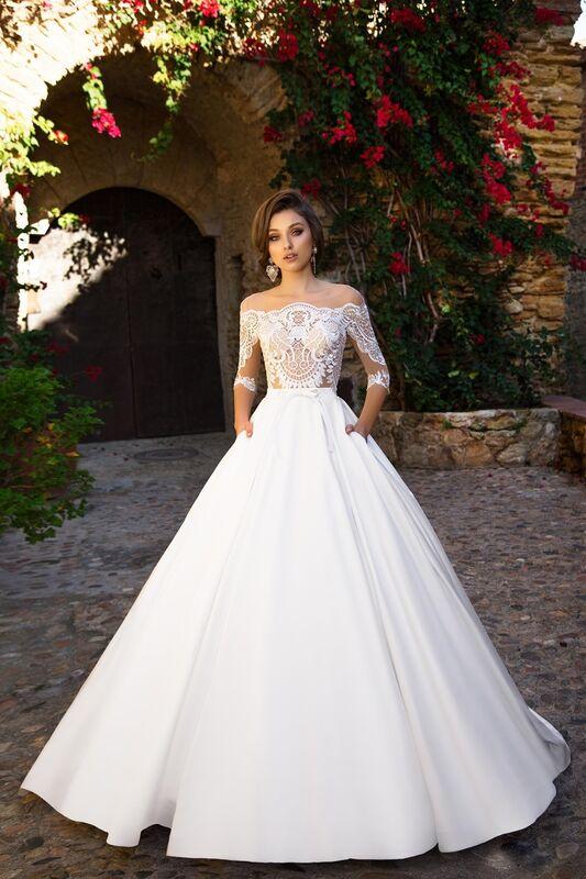 Свадебный салон Bonjour Свадебное платье «Iridora» из коллекции LA SENSUALITE 2017 - фото 1