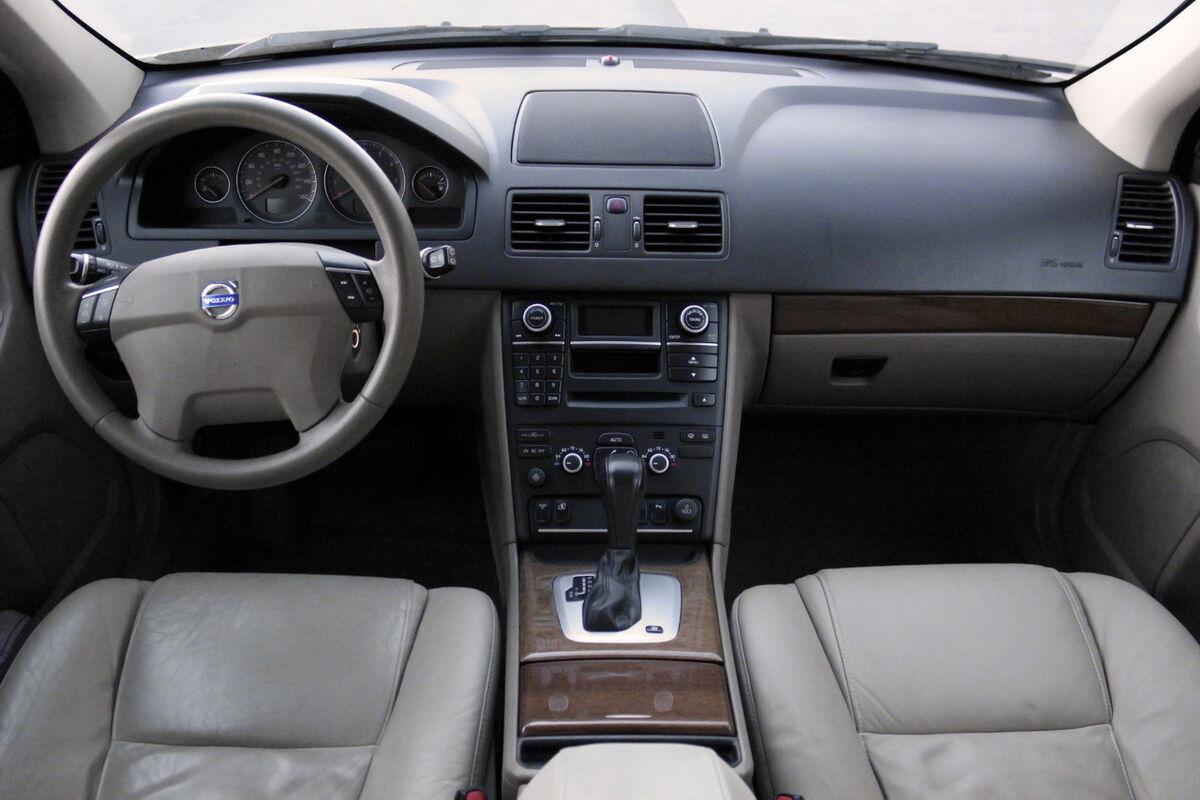 Аренда авто Volvo XC90 2007 года - фото 2